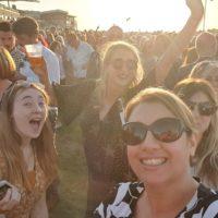 Racecourse crowds in the sun